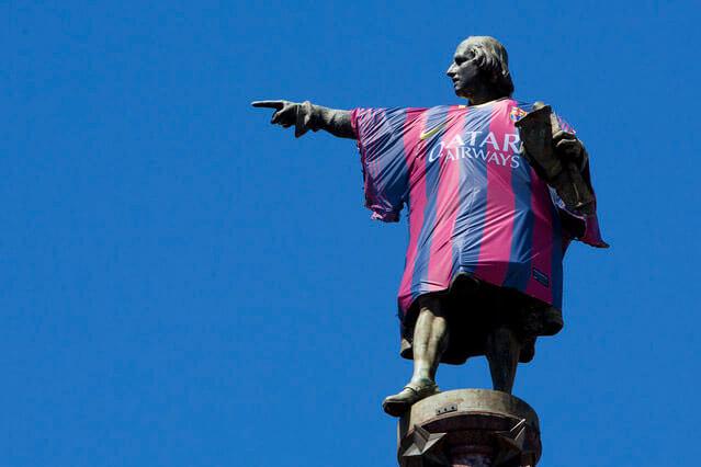 estatua-de-colon-con-camiseta-del-barcelona